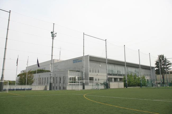 東京都市大学付属中学校・高等学校|人工芝のグラウンド